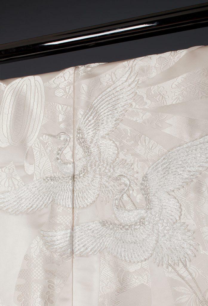 銀こま刺繍のしめ鶴