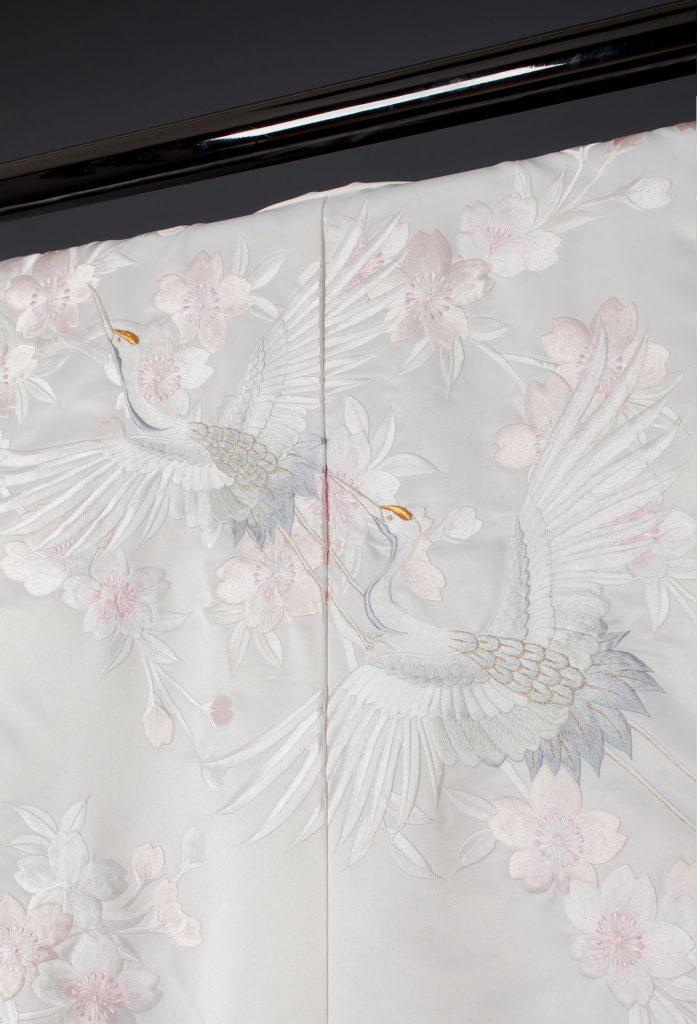 ピンク桜に鶴