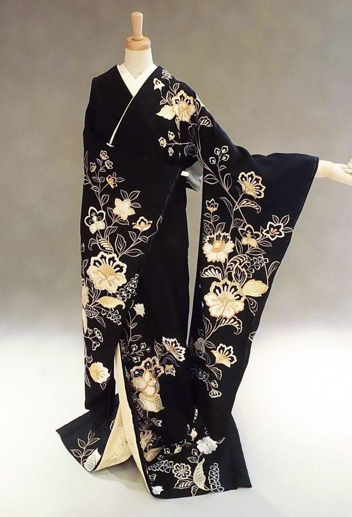 黒地ゴールド花刺繍